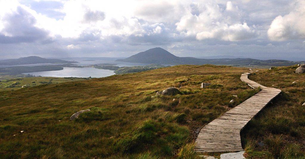 Wanderroute im Connemara National Park, Galway, Irland