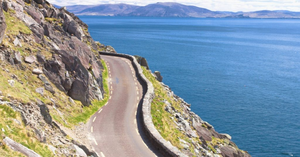 Der Wild Atlantic Way Coastal Drive entlang der Dingle Halbinsel, Kerry, Irland