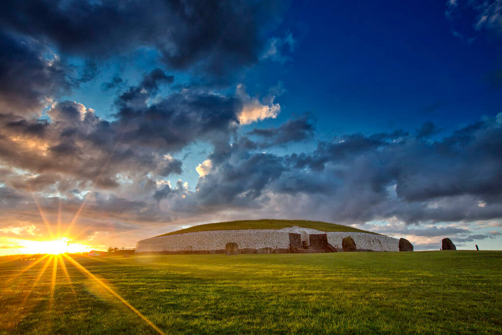 Newgrange passage tomb, Brú na Bóinne, County Meath Ireland.